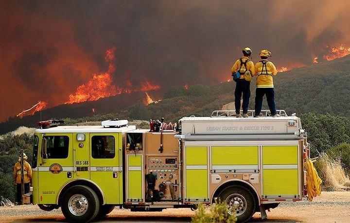 Пожары в Калифорнии тушат более 14 тысяч человек