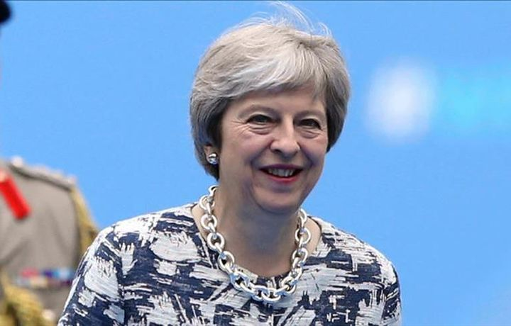 В британском парламенте призывают к смене премьера