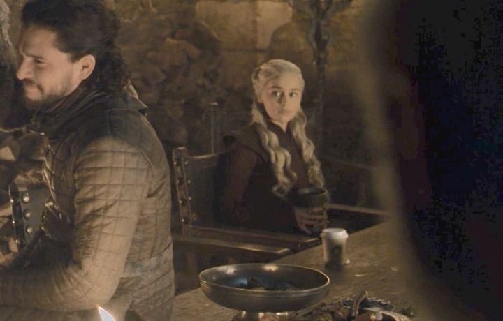 Создатели «Игры престолов» объяснили появление в кадре стаканчика из Starbucks