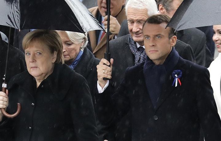 Меркель перепутали с женой президента Франции (видео)