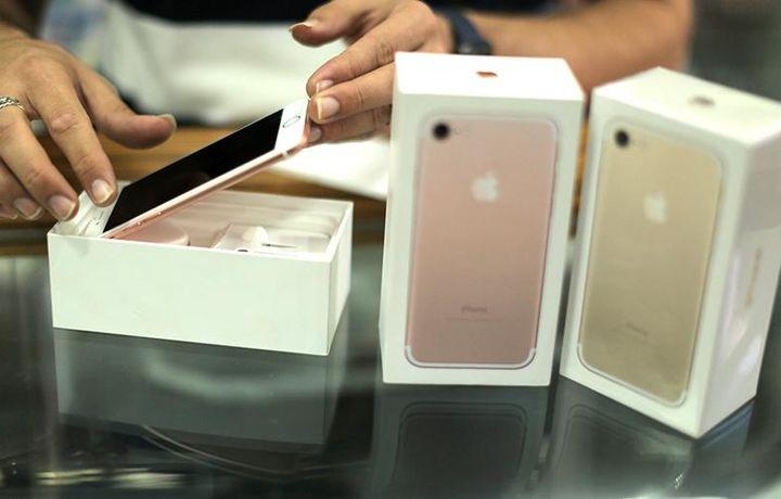 Apple лишилась права продавать старые модели iPhone в Германии