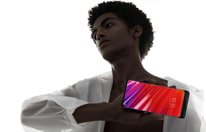 Lenovo представила первый смартфон с 12 Гб ОЗУ (фото)