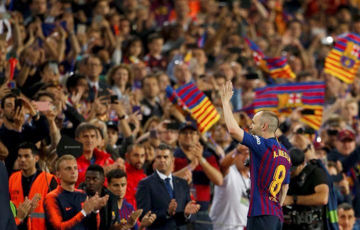 Иньеста «Барселона» билан хайрлашди (фото+видео)