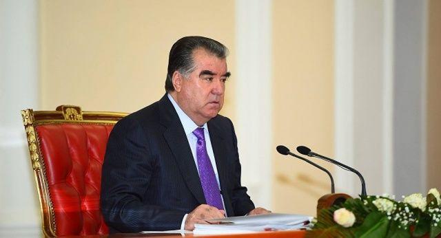 Emomali Rahmon Tojikiston parlamentiga murojaat qildi