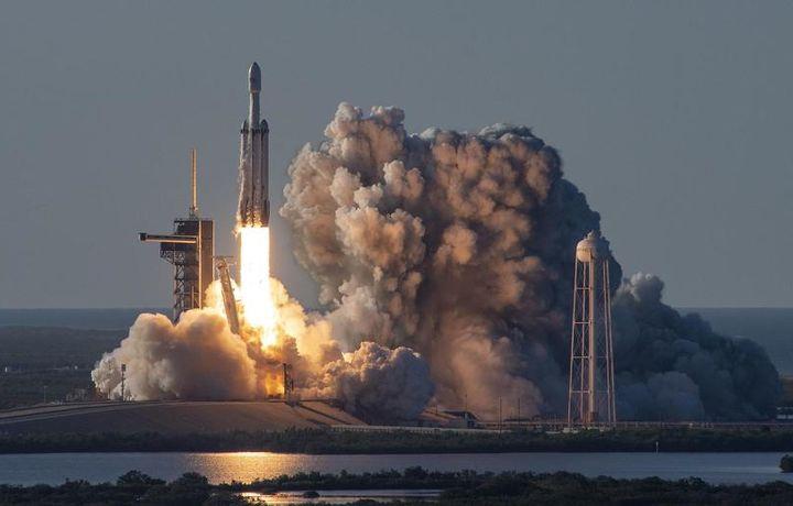 Ракета Falcon Heavy успешно вывела на орбиту прах 152 человек
