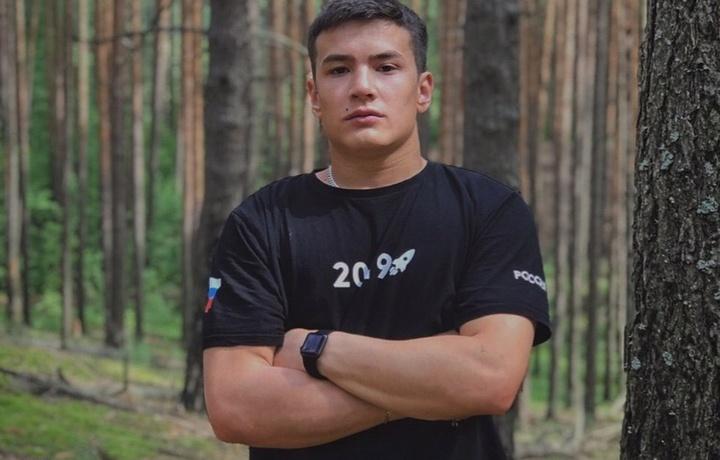 O'zbekistonlik 20 yoshli bokschi Rossiyada halokatga uchragan avtobusdan yo'lovchilarni qutqardi