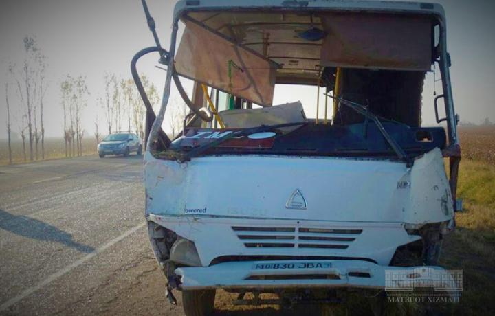 Bugun Quyichirchiqda ikki avtobus YTH sodir etdi. Bir kishi vafot etgan