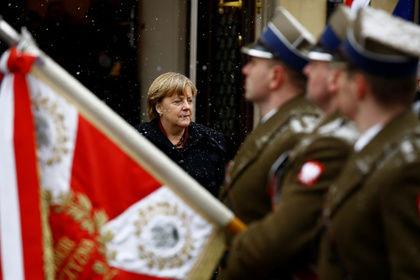 Полша депутати Германиядан 900 миллиард доллар талаб қилди