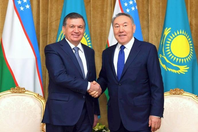 Шавкат Мирзиёев провел телефонный разговор с Нурсултаном Назарбаевым